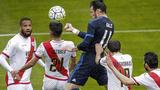 皇马客场3-2逆转巴列卡诺 贝尔两球本泽马伤退