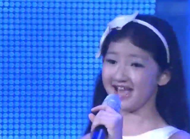 9岁小女孩天籁之音翻唱《橄榄树》连评委都被震撼了!