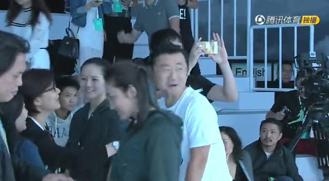 【花絮】刘翔李娜现场亮相 谈笑风声心情大好截图