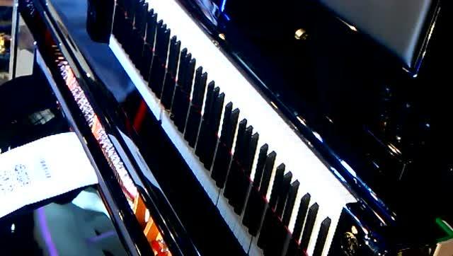 铁血丹心 钢琴曲谱