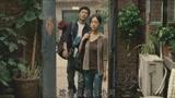 《唐山大地震》片段:方登回家,妈妈跪地道歉!