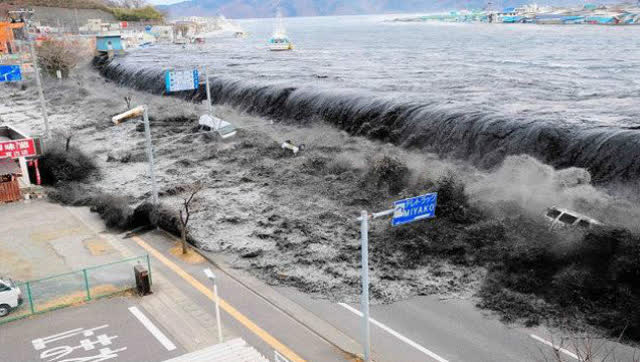 泰国海啸你们看过吗