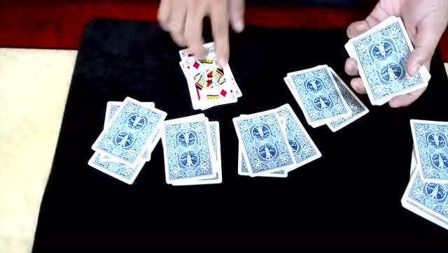 魔术揭秘:赌场骗局,十赌九诈.原来骗子这样出老千
