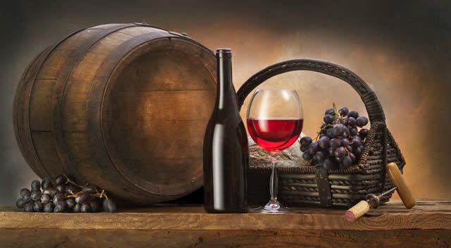 我还一直以为红酒木桶是老木匠手工