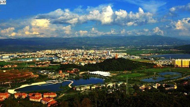 七彩云南好地方 航拍福地弥勒 红河州北部的一座魅力城市!