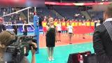 视频:男排听醉齐鼓掌 芬兰歌手清唱中国国歌
