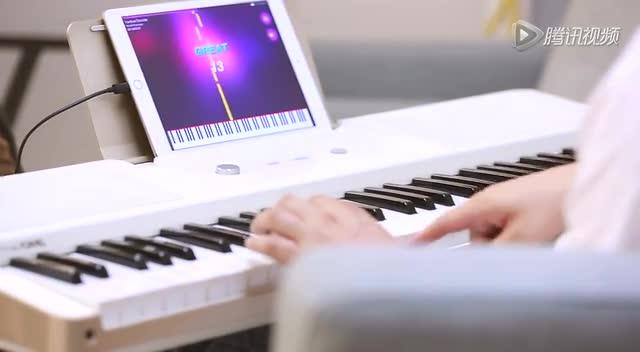 the one light智能钢琴