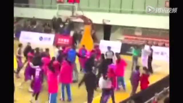 WCBA再爆丑闻 川浙激烈冲突裁判直接取消比赛截图