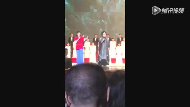 90高龄王昆在人民大会堂演唱《农友歌》视频曝光截图