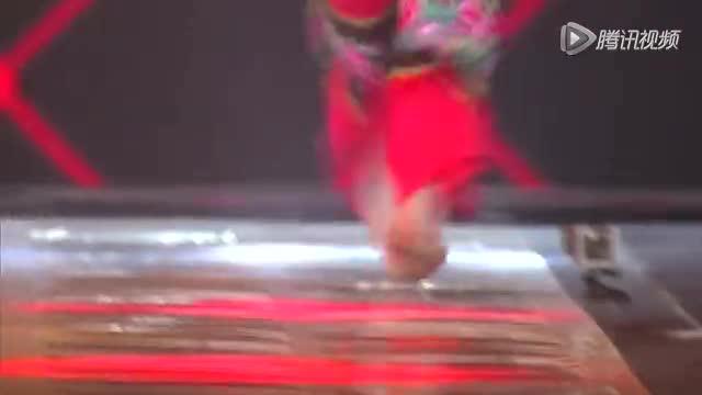 花絮:录制现场突发意外 谢娜心疼选手劝其放弃挑战截图
