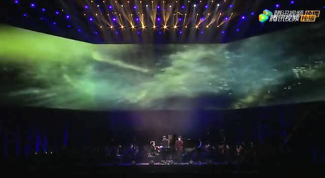 华晨宇与郎朗合作新歌《微光》截图