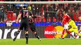 15-16欧冠拜仁5佳球 穆勒神吊射+比达尔逆天重炮