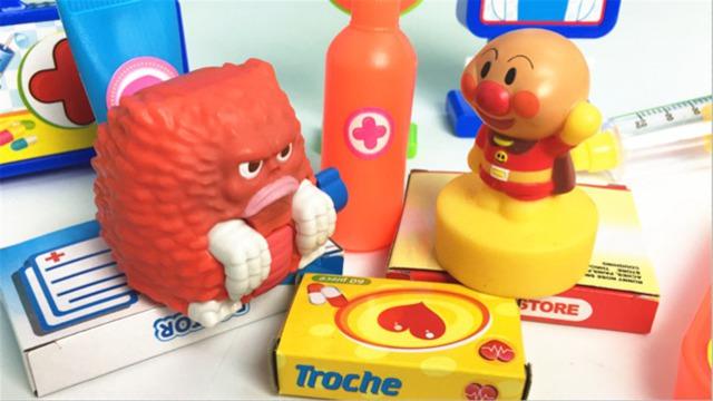 奥特曼怪兽皮克蒙看医生过家家 面包超人医药工具箱