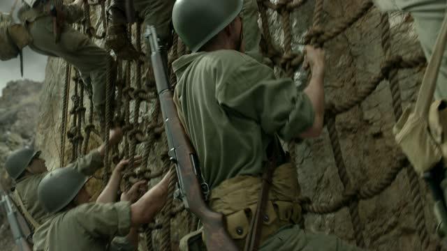 梅尔·吉布森执导2016新片《血战钢锯岭》30秒预告片