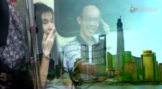 王祖贤素颜现身台北地铁