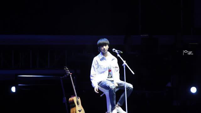 王俊凯现场演唱《摩天轮的思念》