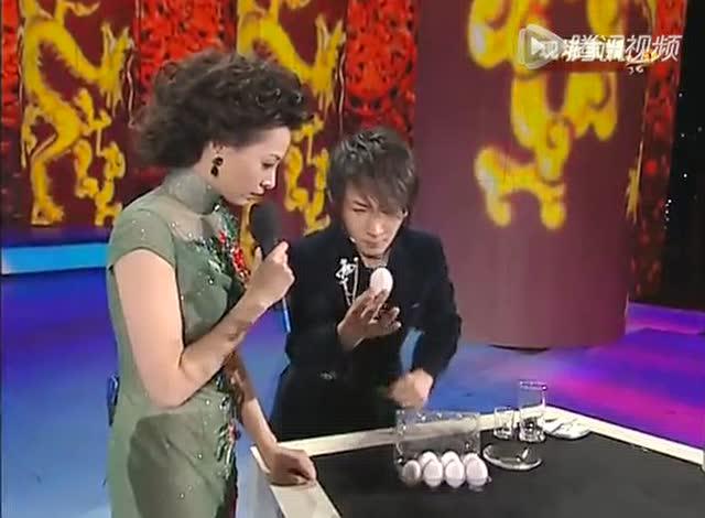 2009年春晚 魔术《魔手神彩》表演:刘谦