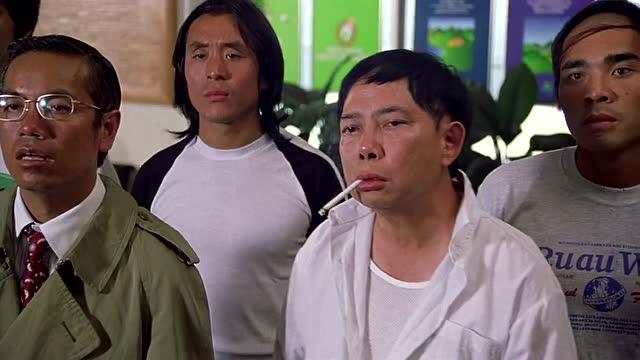 少林足球周星驰的师兄弟自带喜感,看他们表情就是此片图片