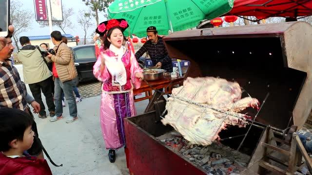 潜山潘铺美女节,全羊烤羊肉啊亚洲美女图片