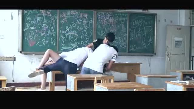 高中女混混打架的头像_高中小混混教室qj高中女学生,无法无天.