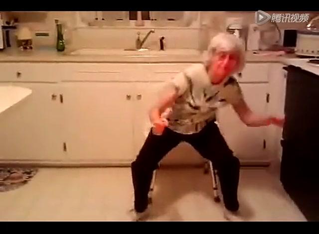 白发苍苍的老太太们更是踊跃在她们的心目中接爷是义不容辞的责任和