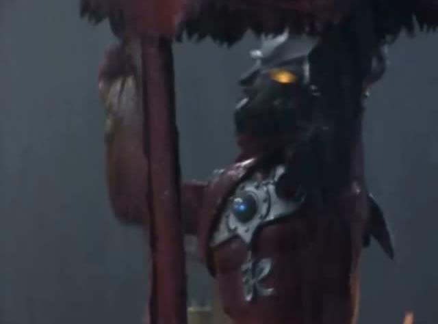 雷欧奥特曼雨中对战水母怪兽,雷欧对战螃蟹的圆盘怪兽