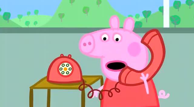 小猪佩奇:猪爸爸着火啦,猪妈妈的消防队赶紧出动啊