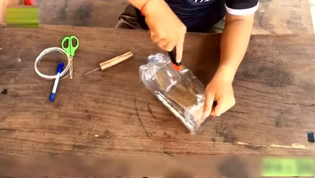 塑料瓶做捕鱼陷阱,轻松捕鱼
