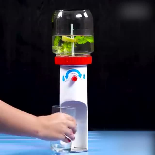 手工制作迷你饮水机,这么热的天喝杯柠檬水太方便了!
