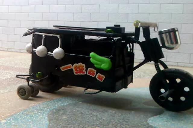 国内民间牛人自制懒人电动车
