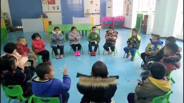 龙驹寨街道办鹿池新村幼儿园中班打击乐活动