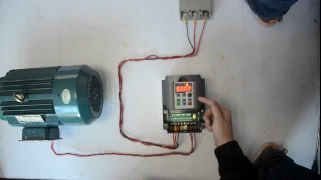 9000系列 380v从空开-变频器-马达接线;变频器按键说明;简单参数调试