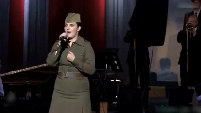 俄罗斯文工团,叶莲娜瓦恩佳《再见吧起伏的细腰》美群山胸腿美女大图片