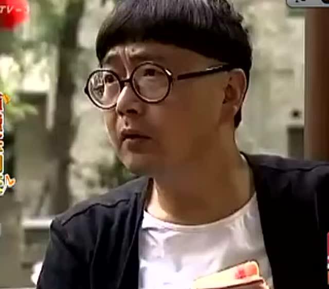 四川方言搞笑视频,赖二娃找朋友借钱,朋友讲了后果吓到他了!