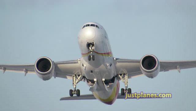 波音787梦想飞机在多伦多起飞过程