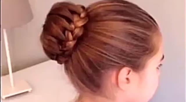 麻花辫环绕式丸子头发型编发教程