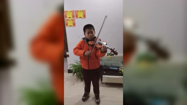 小提琴演奏 唐奥易《新春乐》图片