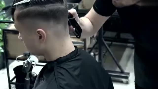 男士时尚个性发型,靠后脑勺就能撩妹!图片