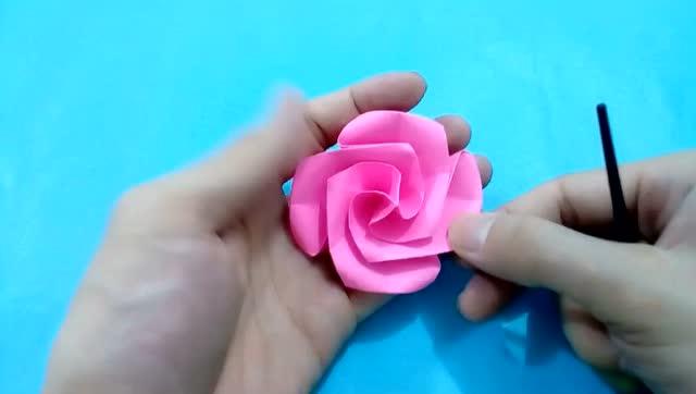 很简单的玫瑰花折纸步骤 看了就会 小孩子也能自己学会手工折纸