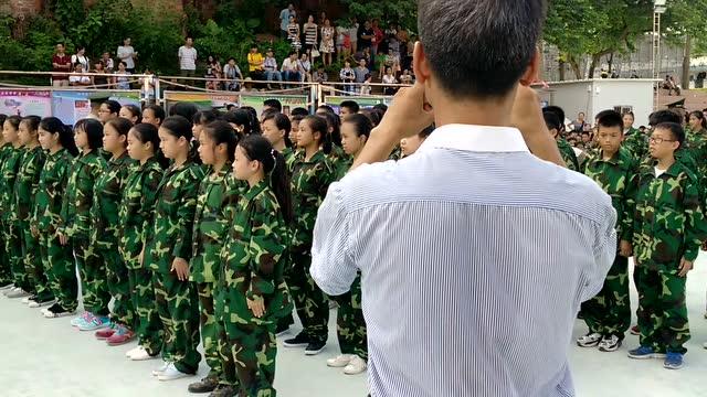 初中学生军训2016本溪市数学初中v初中毕业图片
