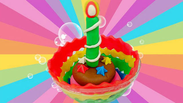 彩色蜡烛巧克力蛋糕 面包超人培乐多diy