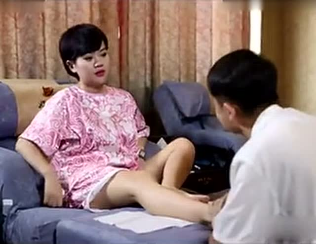 足疗富婆洗脚-原创-3023视频-v足疗视频开乳图片