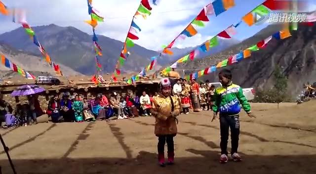 视频: 藏族小美女小帅哥跳小苹果