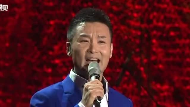 刘和刚动情演唱歌曲《儿行千里》