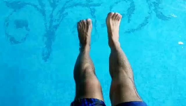 健健游泳·蛙泳蹬腿图片