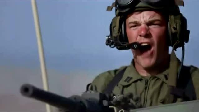 绿巨人单挑坦克,就跟玩玩具一样 - 电影 - 3023视频