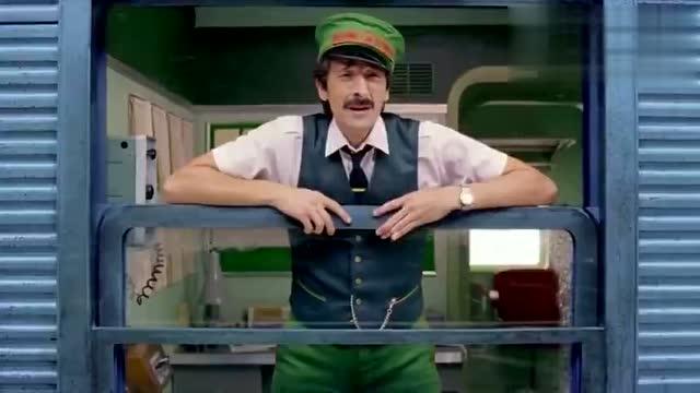 韦斯·安德森抽空为h&m拍了支圣诞广告,大导演