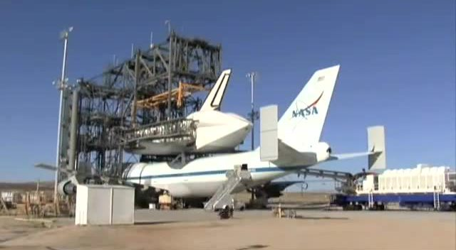 航天飞机是如何安装到nasa的波音747背上的