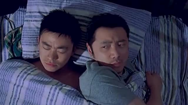 王宝强和徐峥的电影_电影 本段视频剪辑于徐峥导演的《人在囧途》,老板李成功和王宝强
