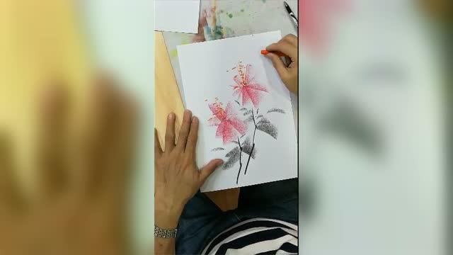 周胜中国铅笔画牡丹花与蜜蜂
